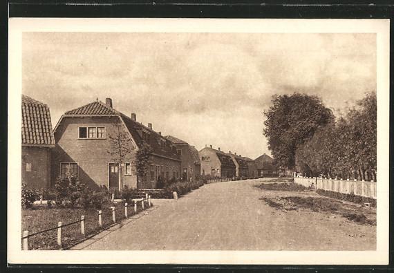 AK Oostzaan, Strassenpartie mit Wohnhäusern