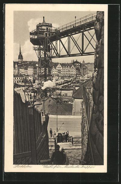 AK Stockholm, Utsikt fran Mosebacke trappor, grosser Aufzug am Hafen 0