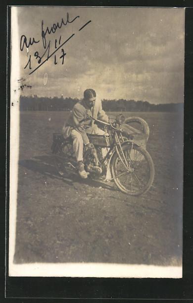 Foto-AK Motorrad Triumph mit Seitenwagen 1917 !
