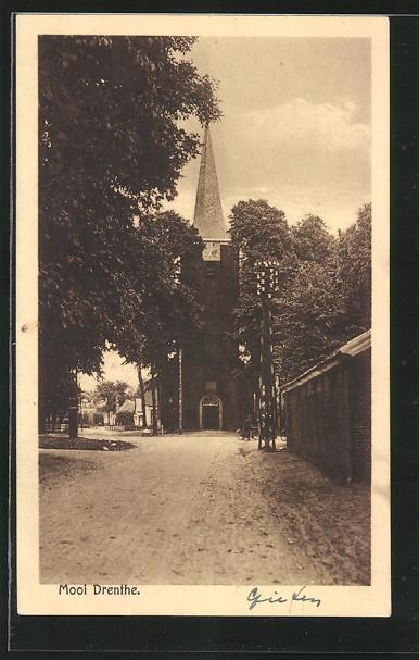 AK Gieten, Kerk, Strassenpartie mit Blick zur Kirche