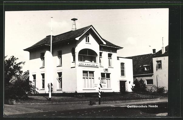AK Neede, Gemeentehuis von der Strasse aus