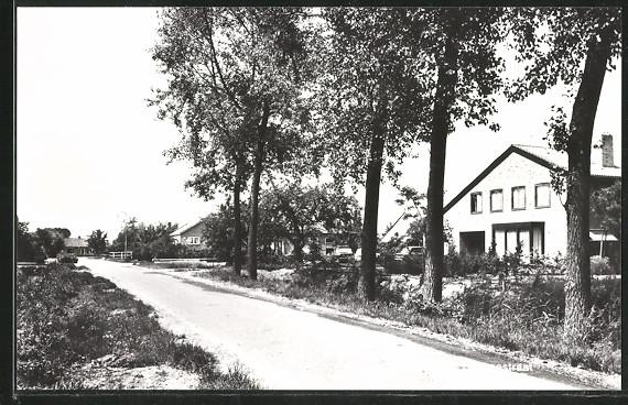 AK Bruchem, Groenestraat mit Wohnhäusern