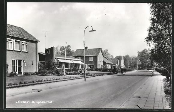 AK Varsseveld, Spoorstraat mit Wohnhäusern