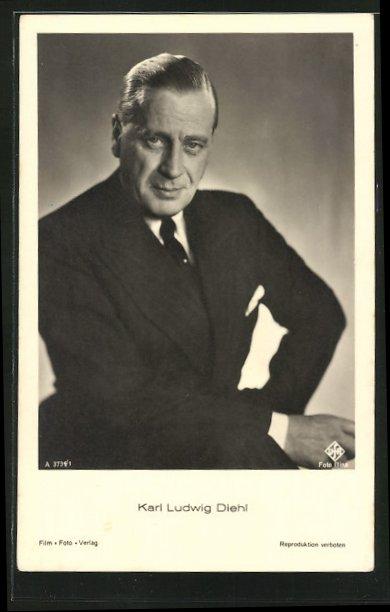 AK Schauspieler Karl Ludwig Diehl, im dunklen Anzug mit Krawatte in die Kamera blickend