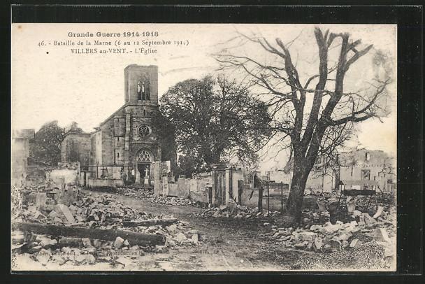 AK Villers-au-Vent, L'Eglise von der Strasse aus mit Trümmern