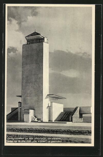 AK Friesland, Gedenkteeken op den afsluitdijk, ter plaatse
