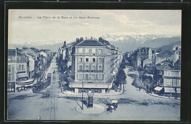 AK Grenoble, La Place de la Gare et les deux Avenues, Strassenbahn, Hotel de Savoie