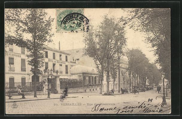 AK Versailles, Rue des Réservoirs, vue dans la rue