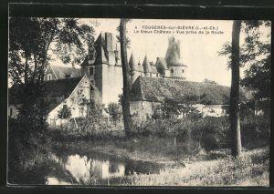AK Fougeres-sur-Bievre, Le Vieux Chateau, Vue prise de la Route