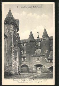 AK Fougères-sur-Bièvre, la cour intérieur et la tour octogonale du château