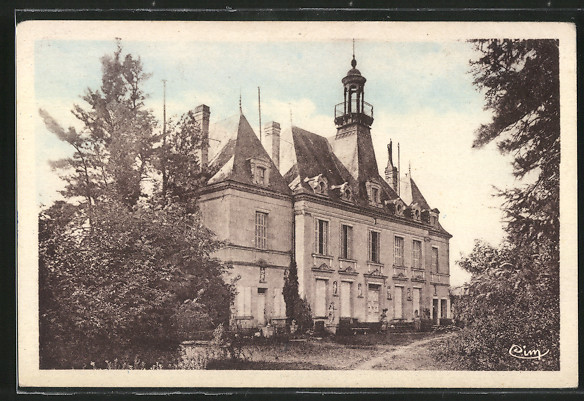 AK Lencloitre, Château, Le grand' Cour