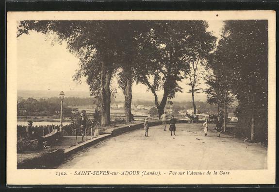AK Saint-Sever-sur-Adour, Vue sur l'Avenue de la Gare