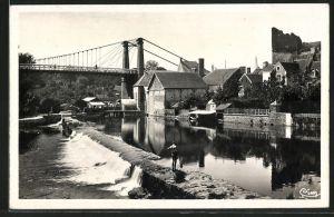 AK Beaumont-sur-Sarthe, La Sarthe et le Pont suspendu
