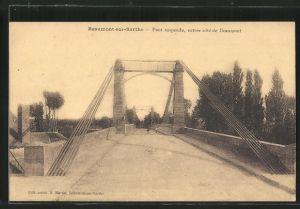 AK Beaumont-sur-Sarthe, Pont suspendu, entree cote de Beaumont