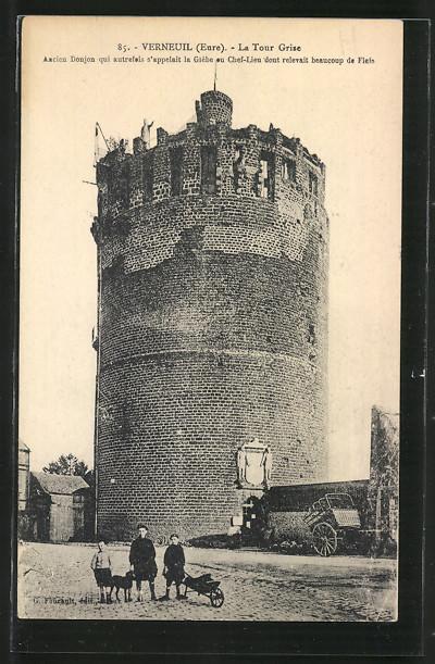 AK Verneuil, la Tour Grise, trois enfants et un chien