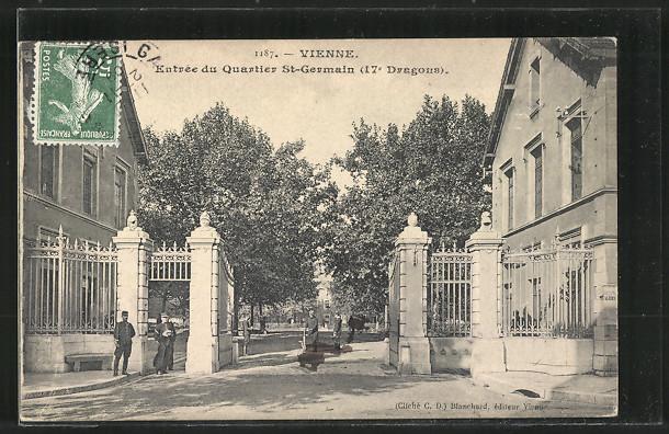 AK Vienne, Entree du Quartier St-Germain 17. Dragons, Kaserne