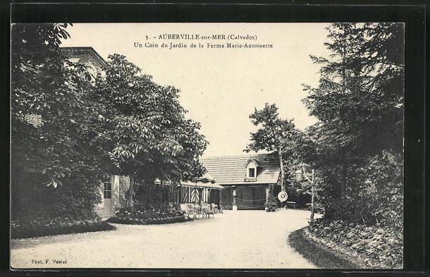 AK Auberville-sur-Mer, Un Coin du Jardin de la Ferme Marie-Antoinette