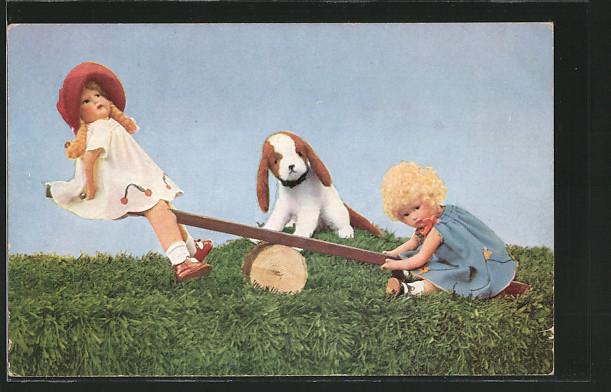 AK zwei Kinder und ein Hund auf einer Wippe, Puppe, Mutzipuppen und Mutzitiere