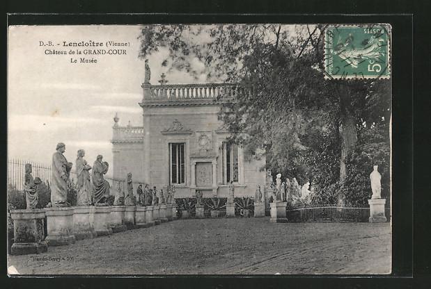 AK Lencloître, le Château de la Grand-Cour, le Musée