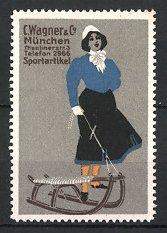 Künstler-Reklamemarke Moos, Sportartikel C. Wagner & Co., München, Dame mit Schlitten