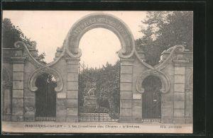 AK Asnieres-Clichy, Le Cimetiere des Chiens, L'Entrée