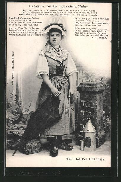 AK Falaise, Legende de la Lanterne, Frau in Tracht mit Laterne u. Schirm
