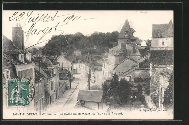 AK Saint-Florentin, Rue Basse du Rempart, la Tour et le Prieure