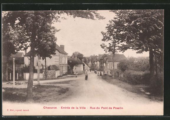 AK Chaource, l'entrée de la ville, la rue du Pont de Praslin