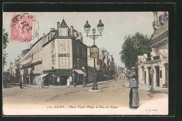 AK Vichy, Place Victor Hugo et Rue de Nimes