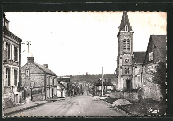AK Saint-Gauburge, Le bourg, Route de paris