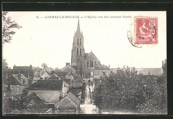 AK Lorrez-le-Bocage, l'Église et vue des anciens Fossés