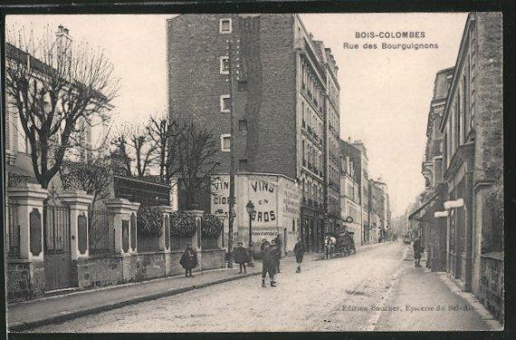 AK Bois-Colombes, la rue des Bourguignons, des enfants dans la rue, un attelage