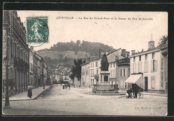 AK Joinville, La Rue du Grand-Pont et la Statue du Sire de Joinville