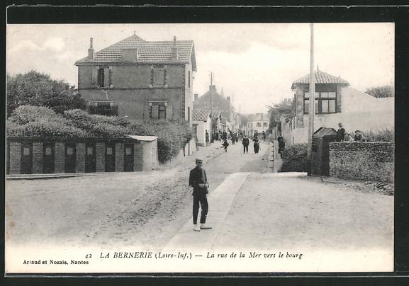 AK La Bernerie, La rue de la Mer vers le bourg