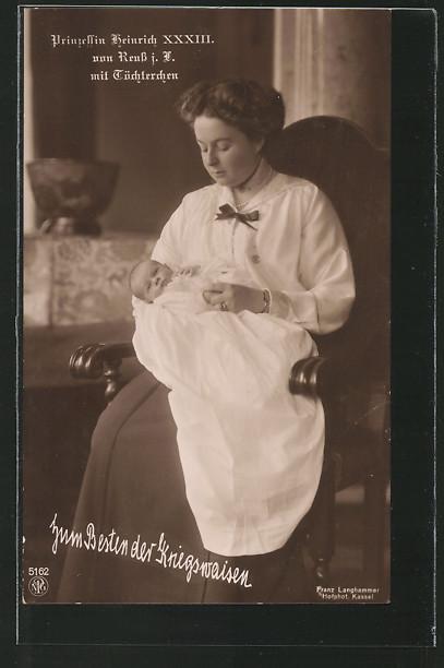AK Prinzessin Heinrich XXXIII von Reuss mit Töchterchen