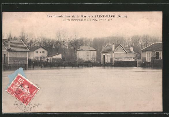 AK Saint-Maur, Les Inondations de la Marne 1910, La rue Bourguignon à la Pie , Hochwasser