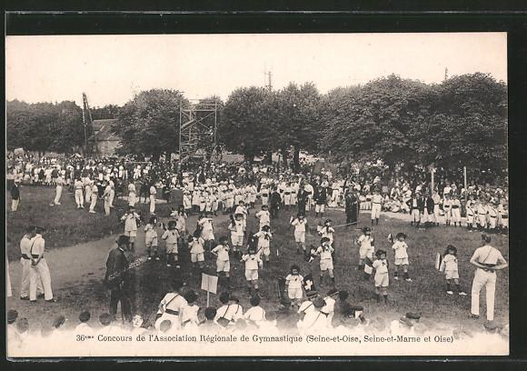 AK 36. Concours de l'Association Régionale de Gymnastique (Seine-et-Oise, Seine-et-Marne et Oise), Kinder a. d. Feld
