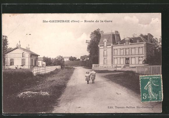 AK Ste-Gauburge, Route de la Gare, Kinder auf Strasse