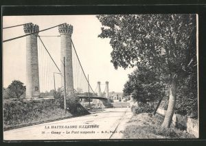 AK Gray, le pont suspendu vue de la rue