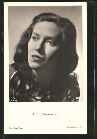AK Schauspielerin Anna Dammann zur Seite schauend