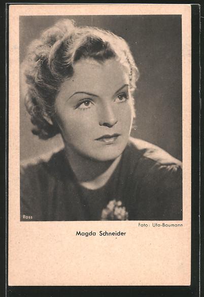 AK Schauspielerin Magda Schneider zur Seite schauend