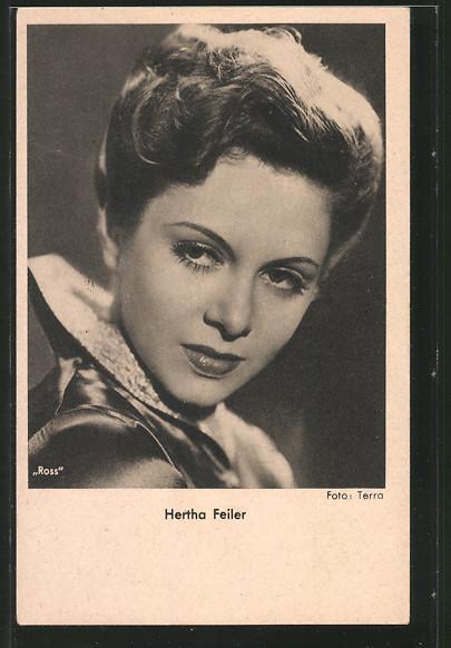 AK Schauspielerin Hertha Feiler zur Seite schauend