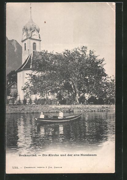 AK Beckenried, alter Nussbaum mit Kirche