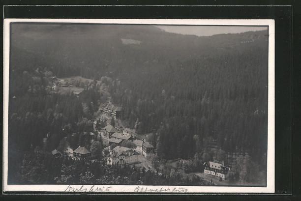 AK Bad Karlsbrunn, Ortsansicht von einem Hügel aus