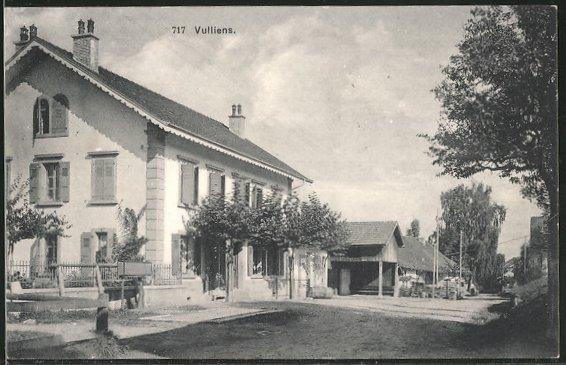 AK Vulliens, Wohnhaus von der Strasse gesehen