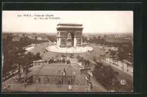 AK Paris, place de l' Étoile, L'Arc de Triomphe, Triumphbogen mit Strassenbahn