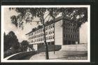 AK Lenzburg, Neues Schulhaus mit grosser Uhr