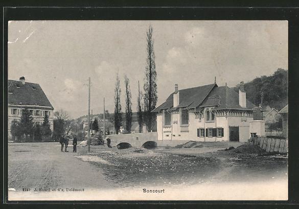 AK Boncourt, Ortsansicht mit Strassenpartie und Brücke