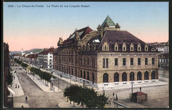AK La Chaux-de-Fonds, La Poste et rue Leopold Robert