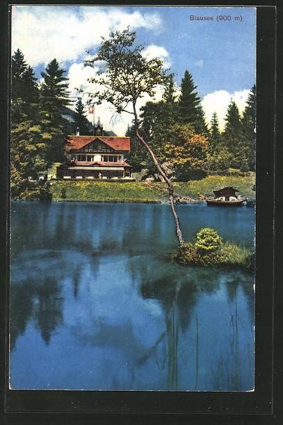 AK Blausee, Gasthaus mit Bootshaus am See